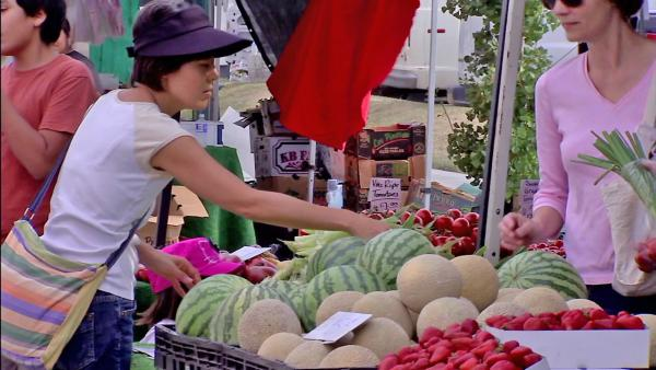 California leads nation in farmers market boom