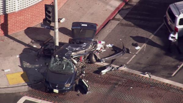 2 young kids, mom killed in Hollywood crash