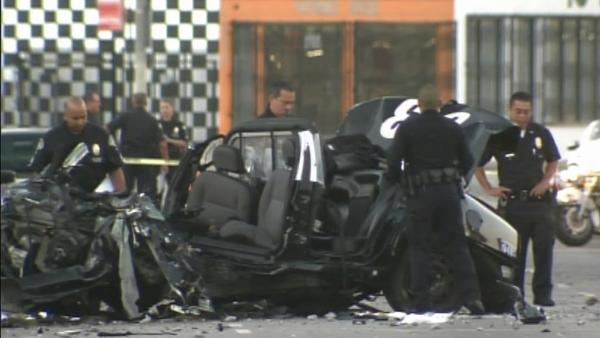 Stolen LAPD cruiser crashes in Mid-City