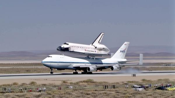 The space shuttle Endeavour arrived in Southern California, making a smooth landing at Edwards Air Force Base on Thursday, Sept. 20, 2012.