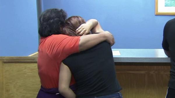Boy, 2, found wandering alone reunites w/ mom