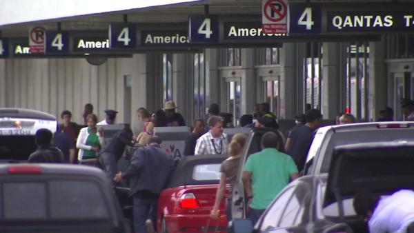 Sandy spurs thousands of flight cancellations
