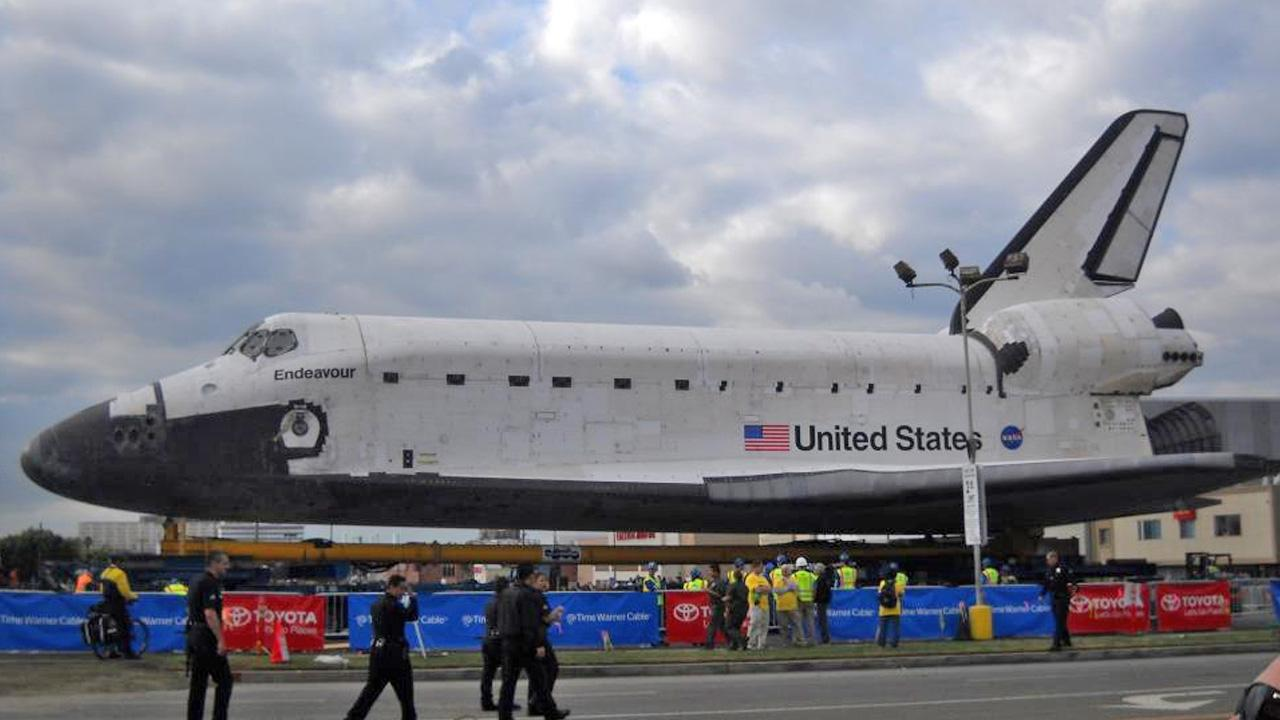 ABC7 viewer Elaine Lim took this picture of space shuttle Endeavour on Friday, Oct. 12, 2012. <span class=meta>(ABC7 viewer Elaine Lim)</span>