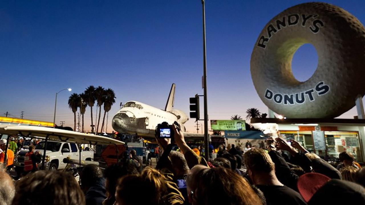 ABC7 viewer Sheri Determan took this picture of space shuttle Endeavour on Friday, Oct. 12, 2012. <span class=meta>(ABC7 viewer Sheri Determan)</span>