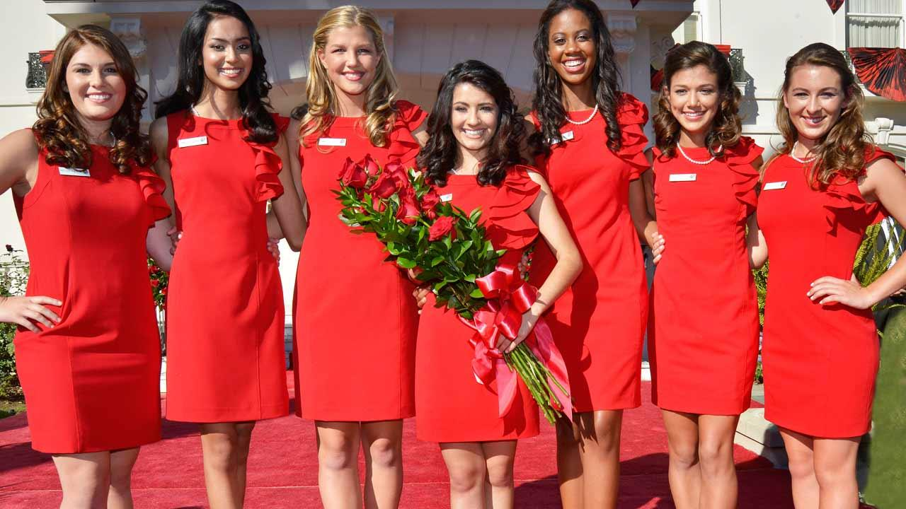 Vanessa Natalie Manjarrez, a 17-year-old student at Mayfield Senior School in Pasadena, is the 95th Rose Queen.