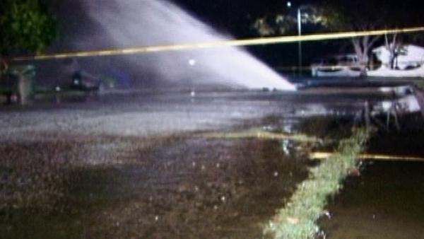 2 water mains break in San Fernando Valley