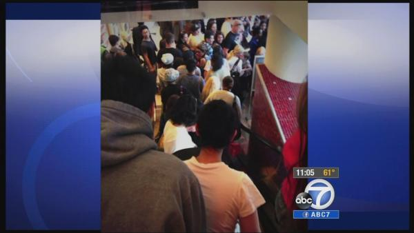 Chaos at LA mall during band's appearance