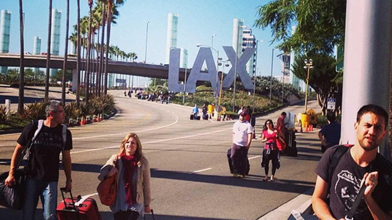 Authorities investigate a shooting at LAX Terminal 3 in Los Angeles on Friday, Nov. 1, 2013. <span class=meta>(Photo via instagram.com&#47;sowatsky)</span>