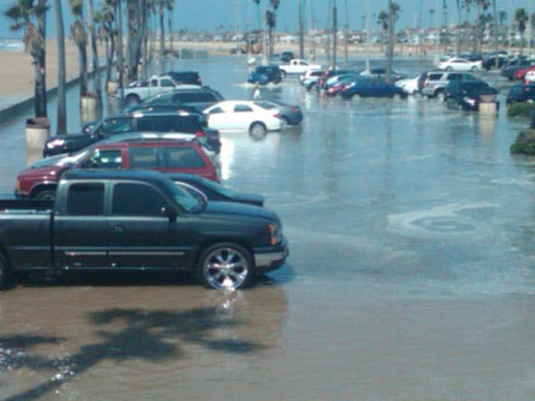 "<div class=""meta ""><span class=""caption-text "">ABC7 viewer Lori Oravetz sent in this photo of the high tide flooding the Balboa Pier on Wednesday, Aug. 31, 2011.  When You Witness breaking news, or even something extraordinary, send pictures and video to video@myabc7.com, or send them to @abc7 on Twitter (ABC7 viewer Lori Oravetz)</span></div>"