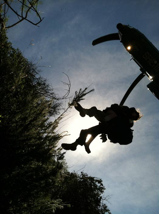 Rescuers are seen loading up missing hiker Kyndall Jack on Thursday, April 4, 2013. <span class=meta>(Los Angeles County Search and Rescue Reserve Deputy Doug Cramoline)</span>