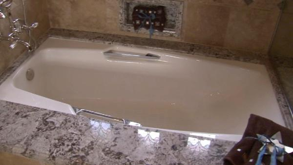 Bathtub at Robert Rizzo's Huntington Beach house.