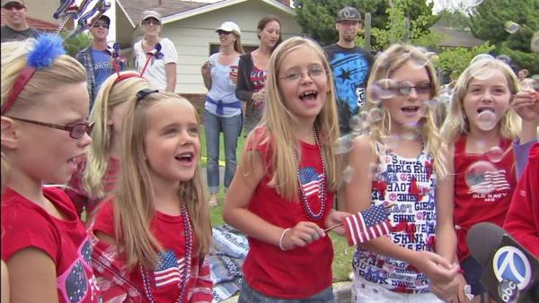 Huntington Beach celebrates 4th w/ parade