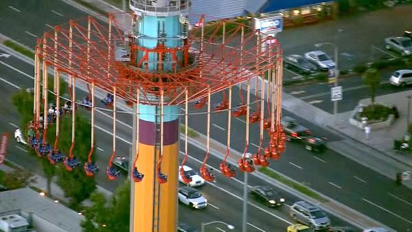Knott's WindSeeker strands riders - again