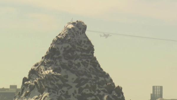 Thousands admire Endeavour from Disneyland