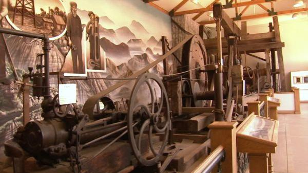 This 1900 iron and timber full-size operating drilling rig is one of the major permanent attractions of the museum.