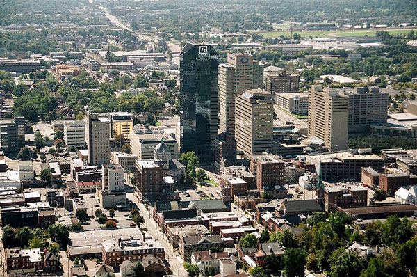 "<div class=""meta ""><span class=""caption-text "">No. 6: With a population of more than 470,000, Lexington, Ky., has an unemployment rate of 8.4 percent with 41 percent housing availability and an average per capita personal income of $35,715. (wikipedia)</span></div>"