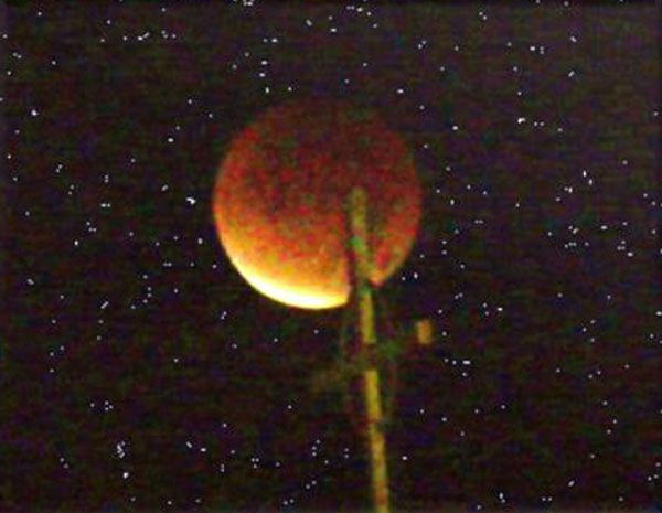 ABC7 viewer John sent in this photo of a lunar eclipse over Lakewood, Calif. Dec. 10, 2011.  When You Witness breaking news, or even something extraordinary, send pictures and video to video@myabc7.com, or send them to @abc7 on Twitter <span class=meta>(KABC Photo&#47; John)</span>