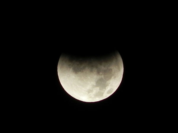 Lunar eclipse throughout Southern California