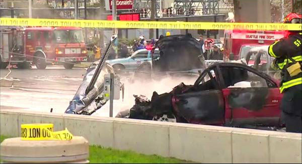 "<div class=""meta ""><span class=""caption-text "">A KOMO-TV news helicopter crashed just after liftoff from the Seattle station's roof and erupted in flames on Tuesday, March 18, 2014. Two people were killed and another critically injured, according to the Seattle Fire Department.  (WLS-TV)</span></div>"