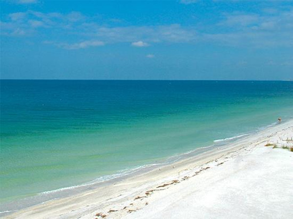 Clearwater Beach in Clearwater, Fla. ranked No. 18 on TripAdvisor&#39;s 2013 Traveler&#39;s Choice Beaches Awards list. The travel website says the beach is great for visits year-round. <span class=meta>(TripAdvisor)</span>