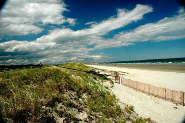 "<div class=""meta ""><span class=""caption-text "">Ogunquit Beach in Ogunquit, Maine ranked No. 19 on TripAdvisor's 2013 Traveler's Choice Beaches Awards list. According to the travel website, the best time to visit is between June and September. (TripAdvisor)</span></div>"