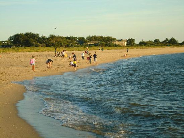 "<div class=""meta ""><span class=""caption-text "">Sunset Beach in Cape May, N.J. ranked No. 24 on TripAdvisor's 2013 Traveler's Choice Beaches Awards list. The travel website says the beach is great for visits year-round. (TripAdvisor)</span></div>"