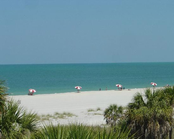 Fort De Soto Park in Tierra Verde, Fla. ranked No. 4 on TripAdvisor&#39;s 2013 Traveler&#39;s Choice Beaches Awards list. The travel website says the beach is great for visits year-round. <span class=meta>(TripAdvisor)</span>
