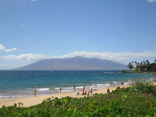 "<div class=""meta ""><span class=""caption-text "">Wailea Beach in Wailea, Hawaii ranked No. 6 on TripAdvisor's 2013 Traveler's Choice Beaches Awards list. The travel website says the beach is great for visits year-round. (TripAdvisor)</span></div>"