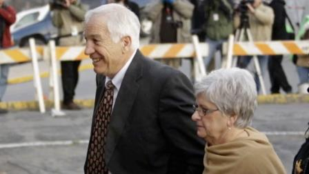 Jerry Sandusky jurors begin deliberating sex abuse case