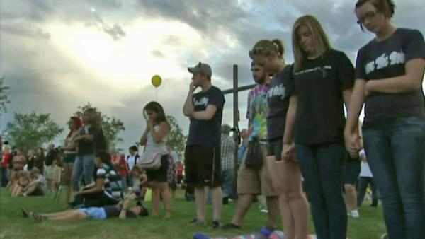 Aurora holds vigil for theater shooting victims