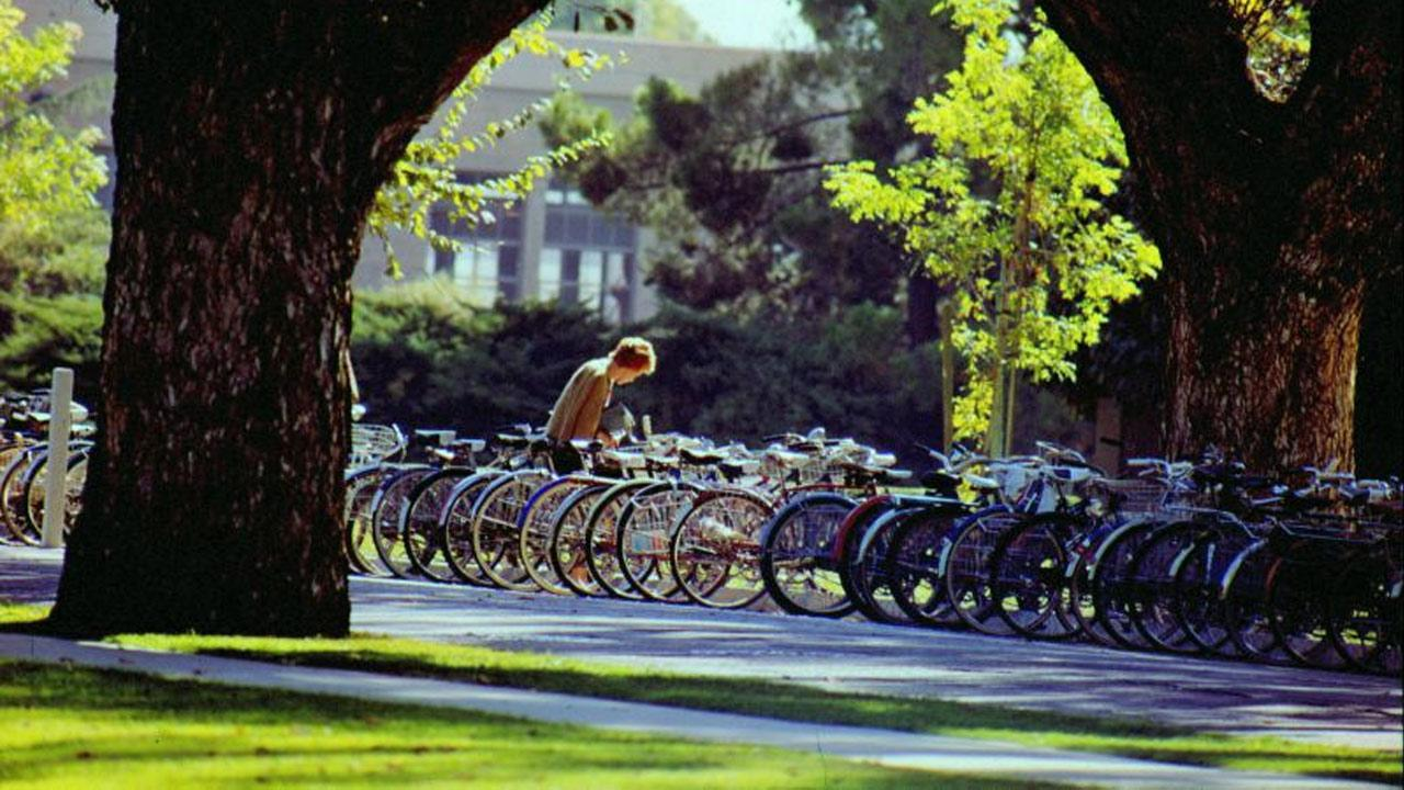 The University of California, Davis topped Sierra Magazines 2012 list of Americas Greenest Colleges.flickr/aroid