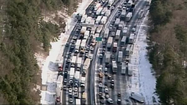 Freak Southern snowstorm strands thousands