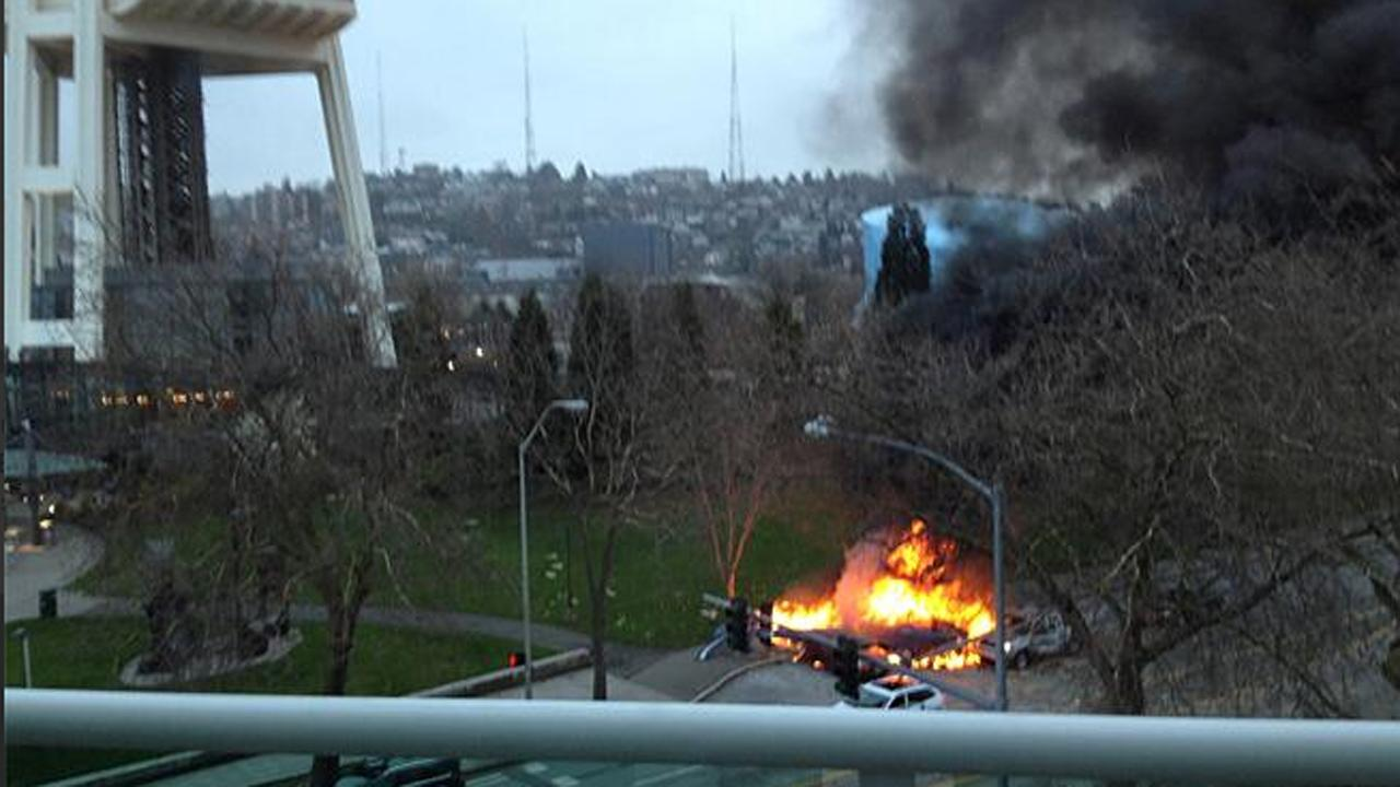 A KOMO-TV news helicopter crashed just after liftoff from the Seattle stations roof and erupted in flames on Tuesday, March 18, 2014. <span class=meta>(KOMO-TV&#47;Michael Harthorne)</span>