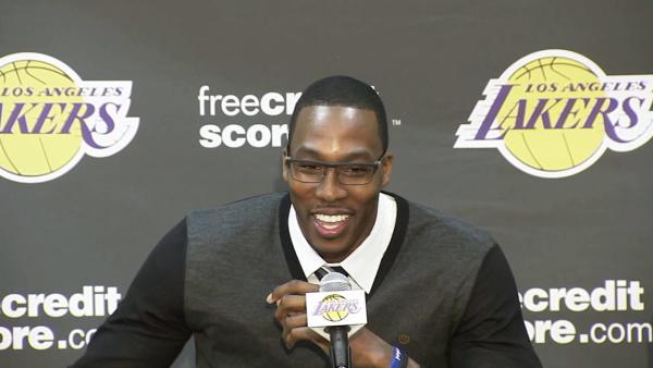 Dwight Howard does impression of Kobe Bryant