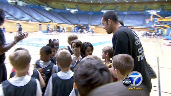 Ex-Laker Jordan Farmar gives back to L.A. kids