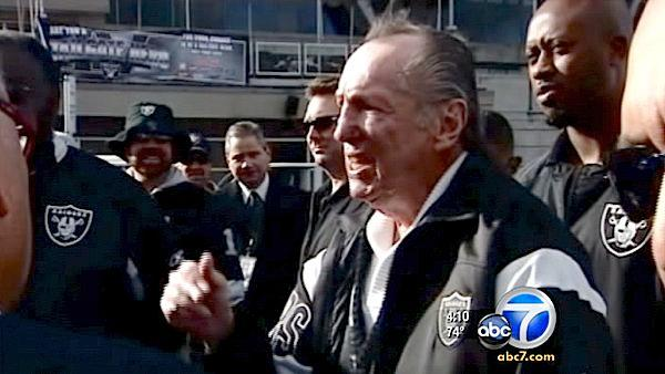 Al Davis, Oakland Raiders owner, dead at 82