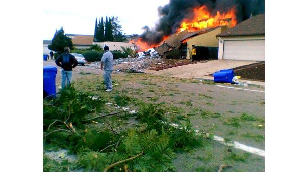 F-18 crash in San Diego neighborhood