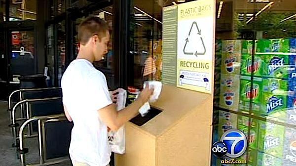 Opponents battle Calif. plastic bag ban w/ ad