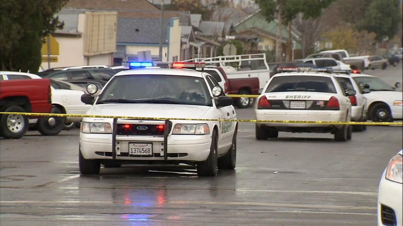 Sheriffs vehicles are seen in Taft, where a student opened fire at Taft High School on Thursday, Jan. 10, 2013.