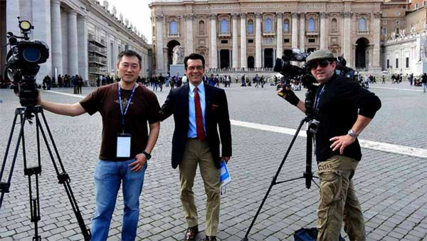"<div class=""meta ""><span class=""caption-text "">The ABC7 Rome crew poses for a photo while covering the papal conclave in Italy. (KABC)</span></div>"