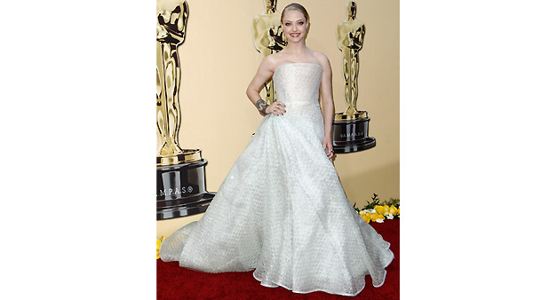Amanda Seyfried arrives during the 82nd Academy Awards Sunday, March 7, 2010.