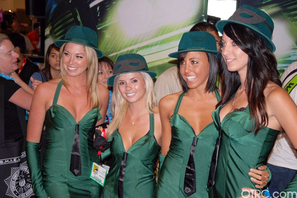Exhibit models in 'The Green Hornet' costumes at Comic-Con 2010 in San Diego
