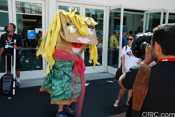 "<div class=""meta ""><span class=""caption-text "">A clever fan dresses up as one of the bag characters from the Fandango.com commercials at Comic-Con in San Diego on Saturday July 24, 2010.</span></div>"