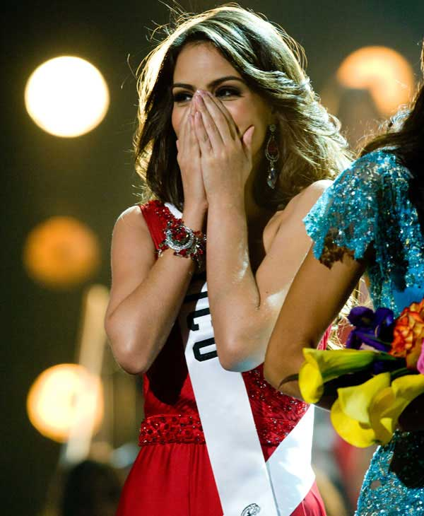"<div class=""meta ""><span class=""caption-text "">Jimena Navarrete, Miss Mexico 2010, of Guadalajara, is crowned Miss Universe 2010, and becomes the 59th Miss Universe. (Darren Decker/Miss Universe Organization)</span></div>"