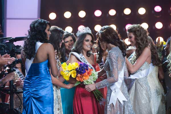 Jimena Navarrete, Miss Mexico 2010, of Guadalajara, is crowned Miss Universe 2010, and becomes the 59th Miss Universe. <span class=meta>(Darren Decker&#47;Miss Universe Organization)</span>