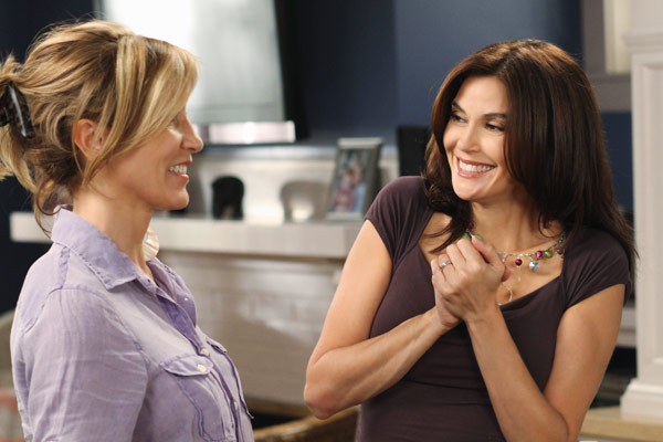 "<div class=""meta ""><span class=""caption-text "">Felicity Huffman and Terri Hatcher appear in a scene from 'Desperate Housewives', which returns for a seventh season on September 26. (Photo courtesy of ABC)</span></div>"