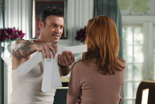 "<div class=""meta image-caption""><div class=""origin-logo origin-image ""><span></span></div><span class=""caption-text"">Marcia Cross and Brian Austin Green appear in a scene from 'Desperate Housewives', which returns for a seventh season on September 26. (Photo courtesy of ABC)</span></div>"