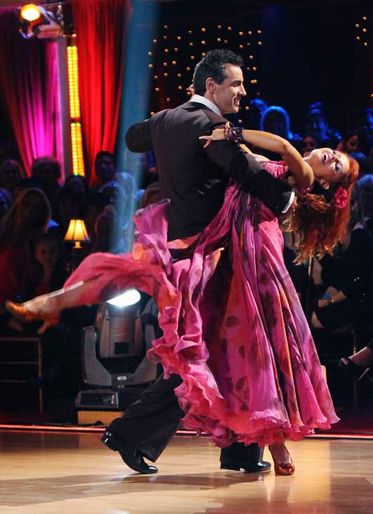 Kurt Warner and Anna Trebunskaya perform on &#39;Dancing With the Stars,&#39; Monday, Sept.  20, 2010. The judges gave the couple 19 points out of 30. <span class=meta>(ABC Photo&#47; Adam Larkey)</span>