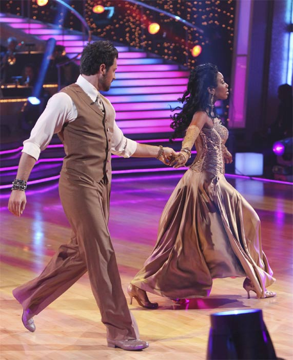 "<div class=""meta ""><span class=""caption-text "">Brandy Norwood and Maksim Chmerkovskiy perform on 'Dancing With the Stars,' Monday, Sept.  20, 2010. The judges gave the couple 23 points out of 30. (ABC Photo/ Adam Larkey)</span></div>"