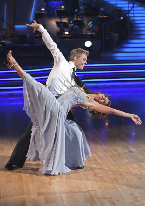 Jennifer Grey and Derek Hough perform on &#39;Dancing With the Stars,&#39; Monday, Sept.  20, 2010. The judges gave the couple 24 points out of 30. <span class=meta>(ABC Photo&#47; Adam Larkey)</span>
